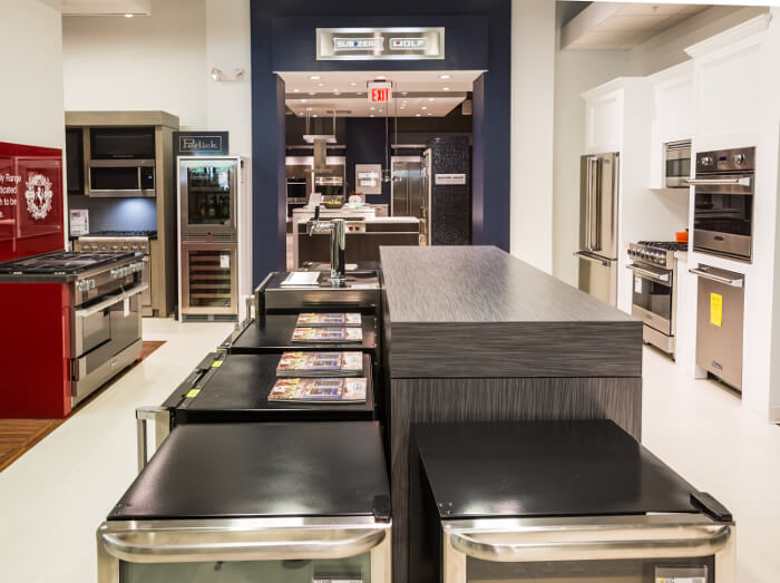 Our Showroom Has Numerous Lifestyle Kitchen Displays Including Thermador,  Bosch, Miele, Viking, Jenn Air, Monogram, Electrolux, GE, Frigidaire,  KitchenAid, ...